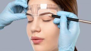 Cuidados de las cejas después de una micropigmentación